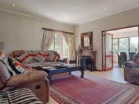 Lounges - 26 square meters of property in Woodhill Golf Estate