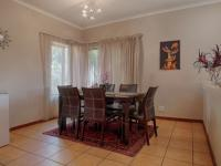 Dining Room - 13 square meters of property in Woodhill Golf Estate