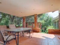 Patio - 34 square meters of property in Waterkloof Glen