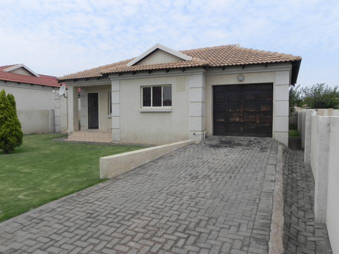 Standard Bank EasySell 3 Bedroom House For Sale in Hoeveldpark - MR139884