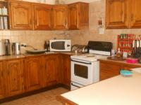 Kitchen - 13 square meters of property in Die Wilgers