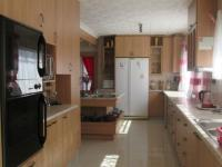 Kitchen - 33 square meters of property in Vaalmarina