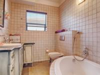 Bathroom 2 - 7 square meters of property in Boardwalk Manor Estate