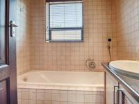 Bathroom 3+ - 15 square meters of property in Boardwalk Manor Estate