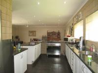 Kitchen - 20 square meters of property in Rothdene