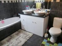 Bathroom 1 - 10 square meters of property in Rothdene