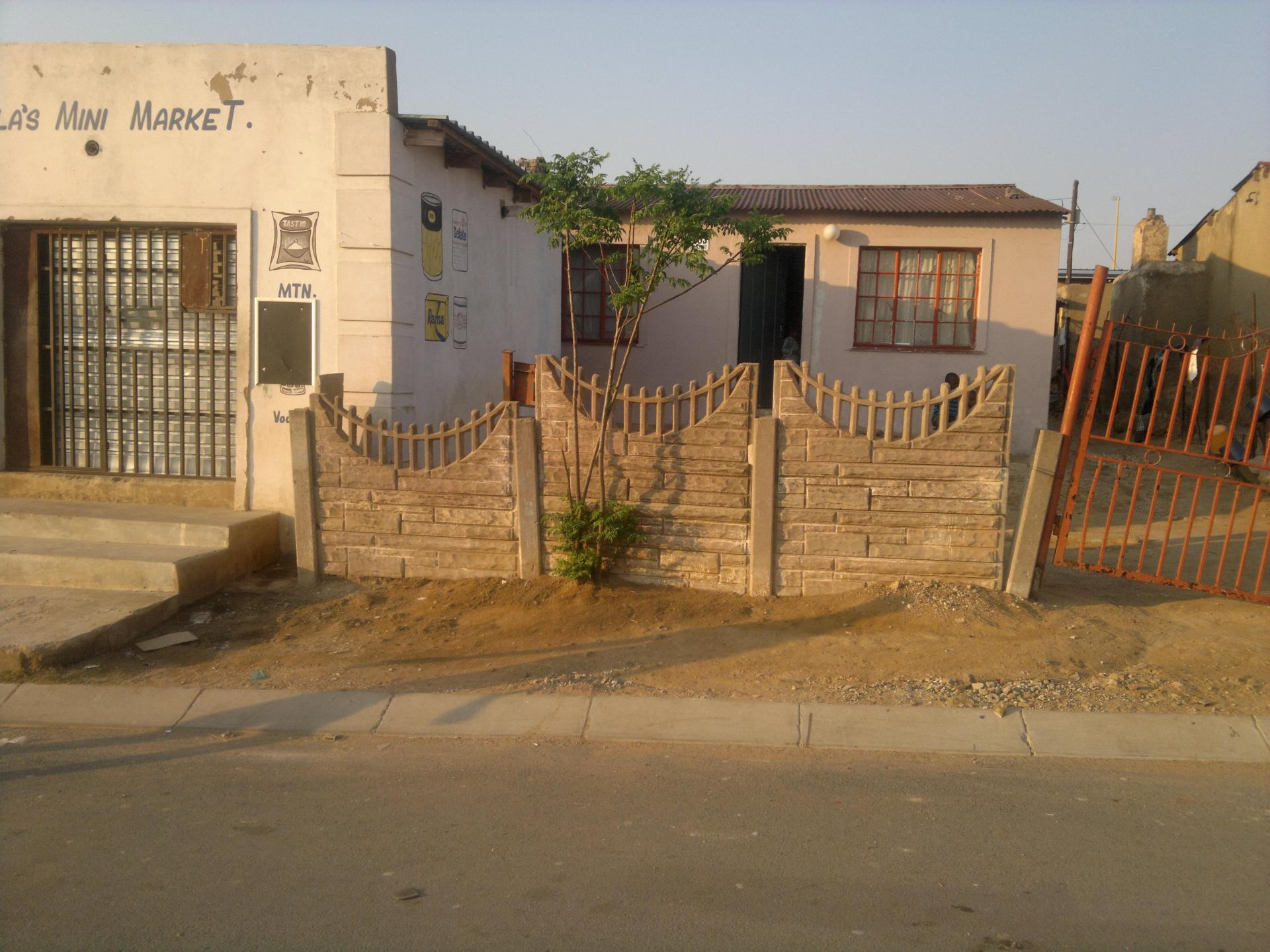 Front View of property in Tembisa