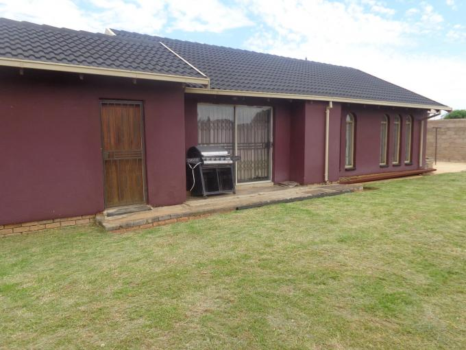 3 Bedroom House for Sale For Sale in Kagiso - Private Sale - MR140081