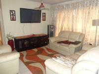 Lounges - 10 square meters of property in Kagiso
