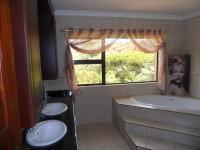 Main Bathroom - 17 square meters of property in Marina Beach