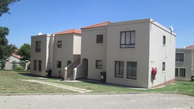 2 Bedroom Sectional Title for Sale For Sale in Fourways - Home Sell - MR140115