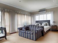 Main Bedroom - 40 square meters of property in Silverwoods Country Estate