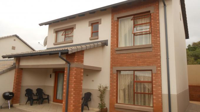 4 Bedroom Simplex For Sale in Eldoraigne - Home Sell - MR140179