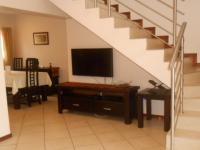 Lounges - 14 square meters of property in Eldoraigne