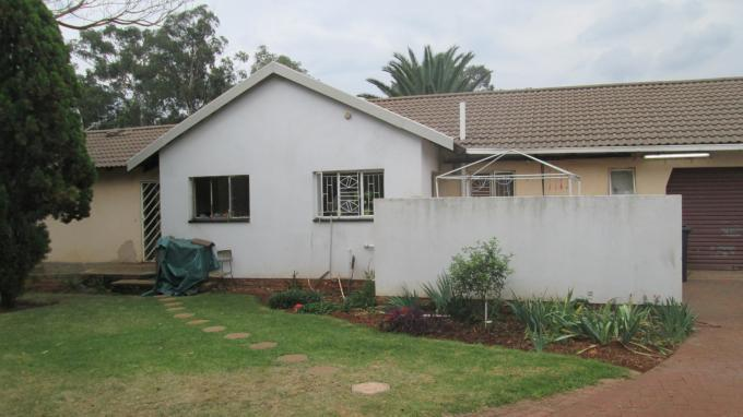 Standard Bank EasySell 3 Bedroom House For Sale in Brakpan - MR140201