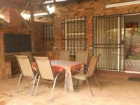 Patio - 34 square meters of property in Moreletapark