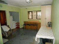 Spaces - 68 square meters of property in Shallcross