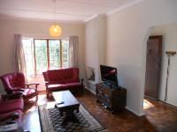 Lounges - 18 square meters of property in Glen Hills