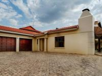 3 Bedroom 2 Bathroom Simplex for Sale for sale in Silver Lakes Golf Estate