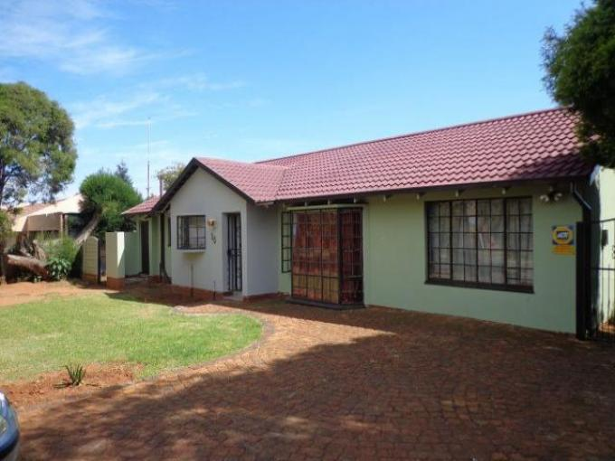 Standard Bank EasySell House for Sale For Sale in Crystal Park - MR140574