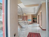 Spaces - 93 square meters of property in Lombardy Estate