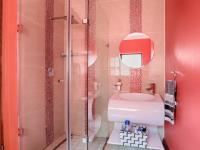 Bathroom 1 - 6 square meters of property in Lombardy Estate
