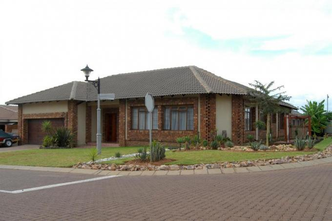 3 Bedroom House for Sale For Sale in Middelburg - MP - Home Sell - MR140595