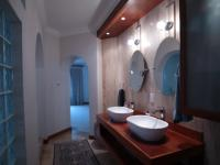 Main Bathroom - 30 square meters of property in Bryanston