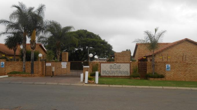 3 Bedroom Simplex for Sale For Sale in Radiokop - Home Sell - MR140648