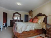 Main Bedroom of property in Willow Acres Estate