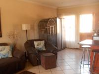 Lounges - 20 square meters of property in Annlin
