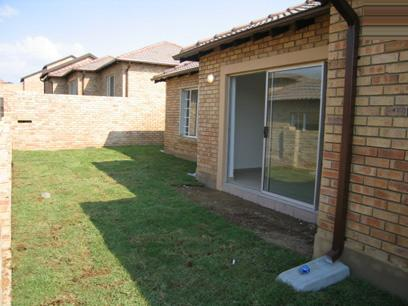 2 Bedroom Simplex For Sale in Amberfield - Home Sell - MR14069