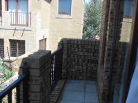 Balcony - 16 square meters of property in Willowbrook