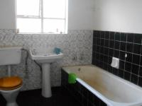 Bathroom 1 - 7 square meters of property in Greenhills