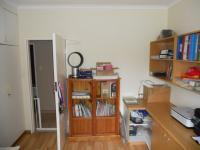 Bed Room 2 - 14 square meters of property in Kloof