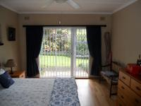 Main Bedroom - 27 square meters of property in Kloof