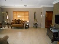 Lounges - 58 square meters of property in Kloof