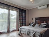 Main Bedroom - 27 square meters of property in Newmark Estate