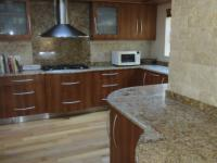 Kitchen - 22 square meters of property in Bloubergstrand