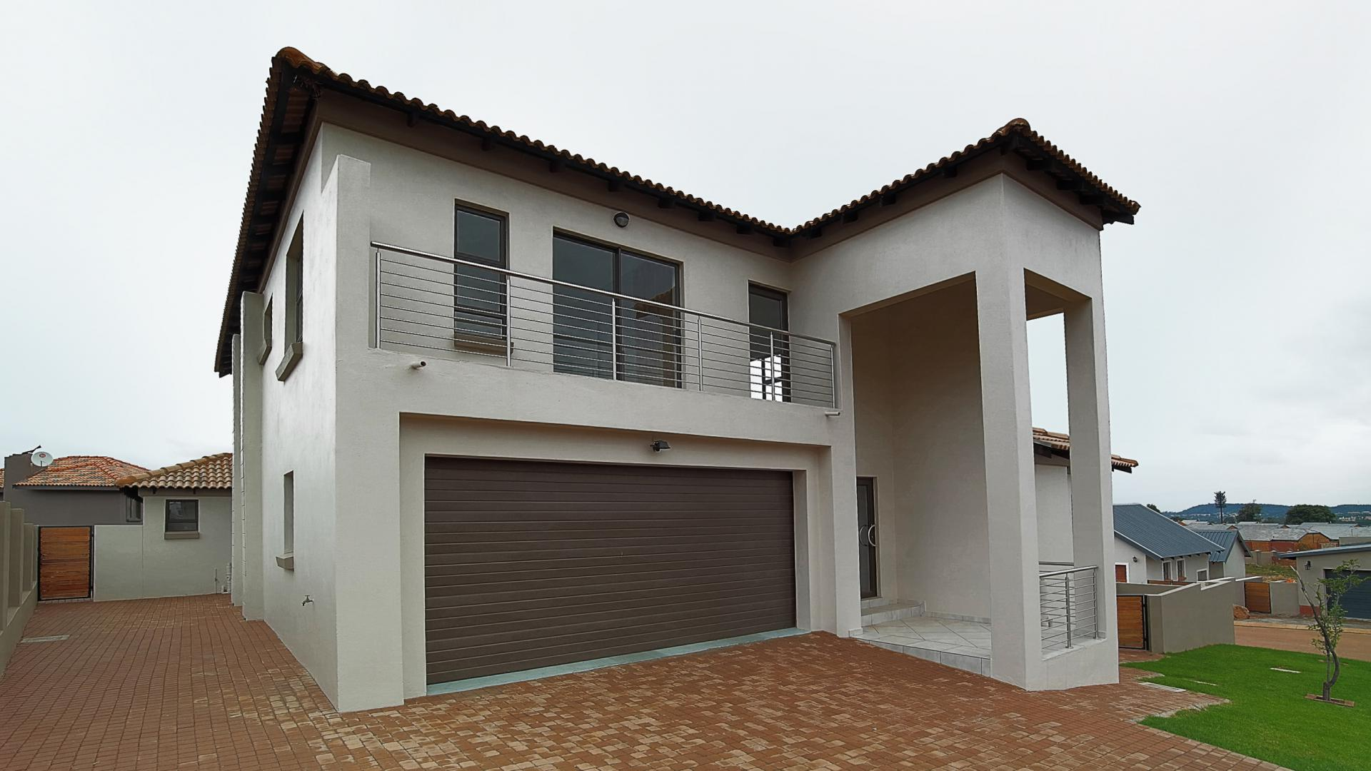 Front View of property in Heron Hill Estate