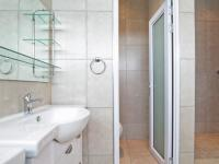 Main Bathroom - 11 square meters of property in Willow Acres Estate