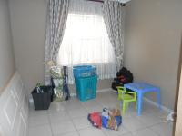 Bed Room 1 - 12 square meters of property in Ennerdale