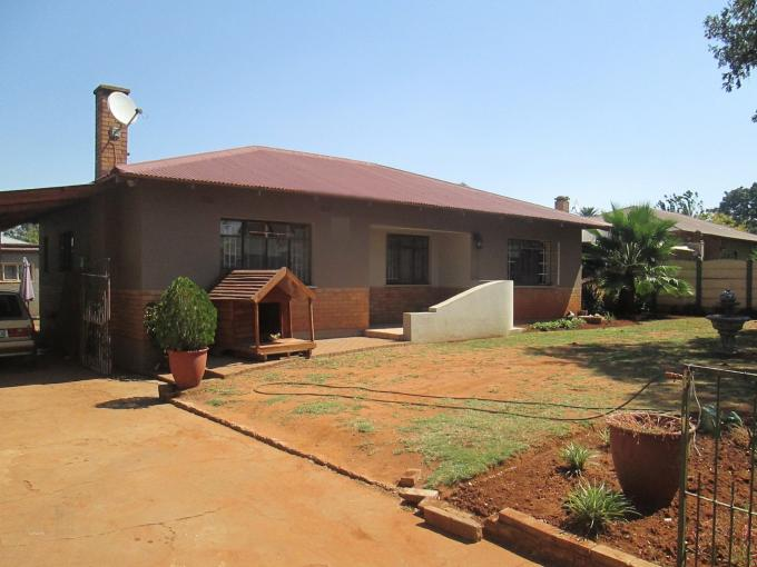 3 Bedroom House For Sale in Vanderbijlpark C.E. 4 - Home Sell - MR141025