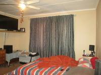Main Bedroom - 18 square meters of property in Vanderbijlpark C.E. 4
