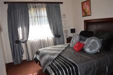 Main Bedroom - 23 square meters of property in Orkney