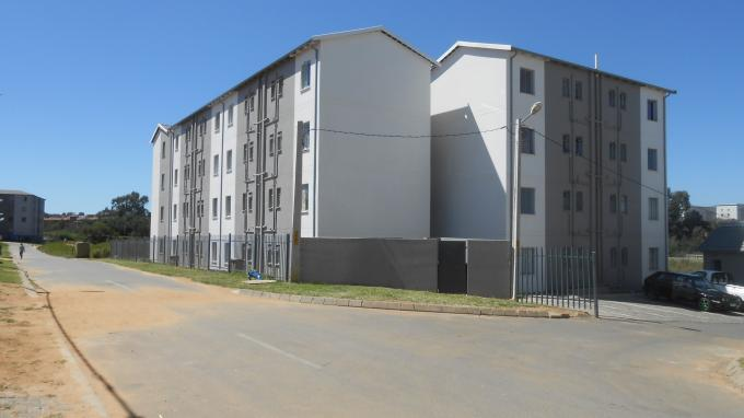 Standard Bank EasySell 2 Bedroom Sectional Title For Sale in Fleurhof - MR141167