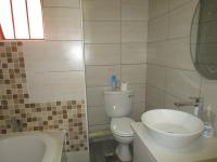 Bathroom 1 - 5 square meters of property in Liefde en Vrede