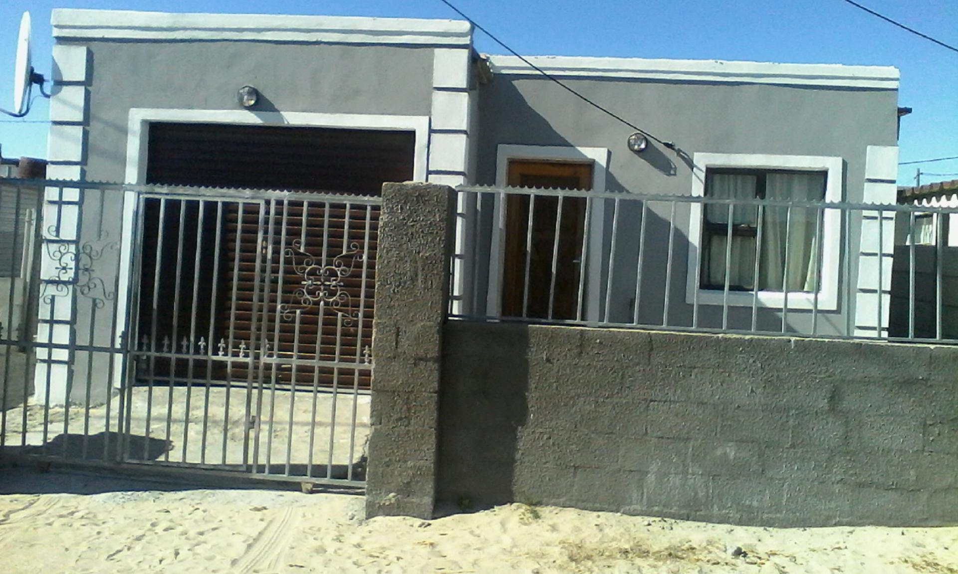 Front View of property in Mfuleni