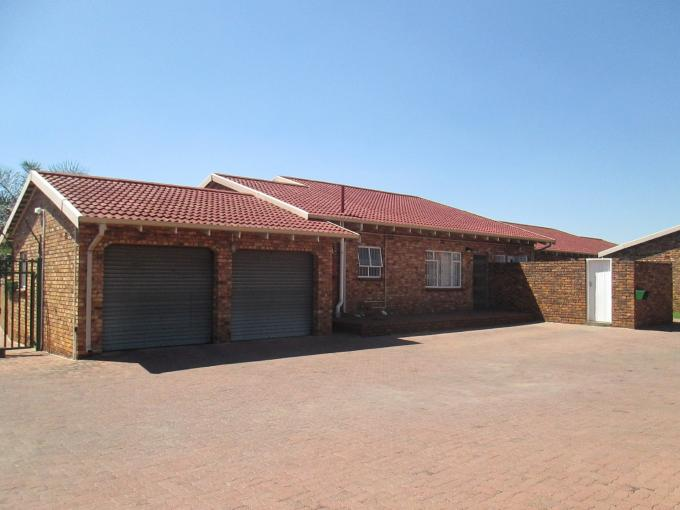 3 Bedroom Simplex for Sale For Sale in Kempton Park - Private Sale - MR141261