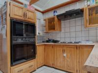 Kitchen of property in Newlands
